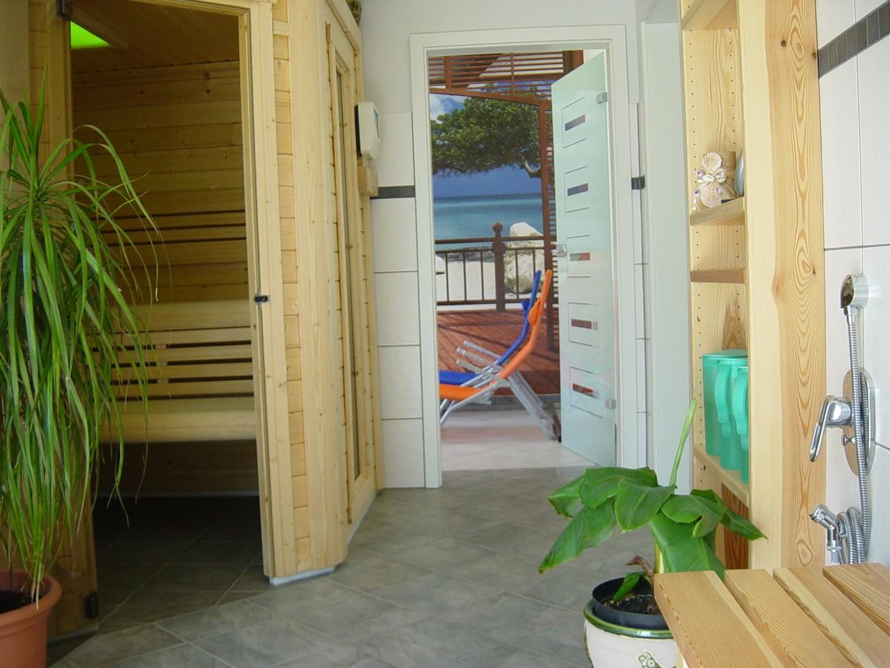 Sauna Hoch.jpg